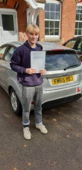 01 October 2019 - James passed in Sevenoaks with only 3 minor driving faults! Well done James, that was an excellent result.