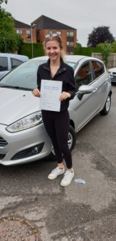 04 June 2019 - Katie passed in Sevenoaks with only 4 minor driving faults! Well done Katie, that was an excellent result.