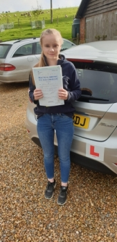 05 November 2019 - Heather passed 1st time with just 7 minor driving faults! Well done Heather, that was a really good result.