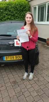 07 June 2019 - Cordelia passed in Sevenoaks with only 3 minor driving faults! Well done Cordy, that was an excellent result.